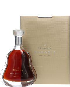 Hennessy Paradis (lichte Schade)
